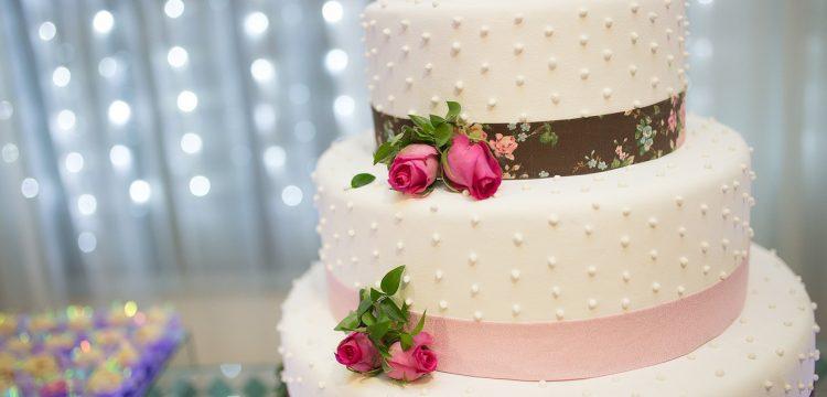 Wedding cake with sugar roses.
