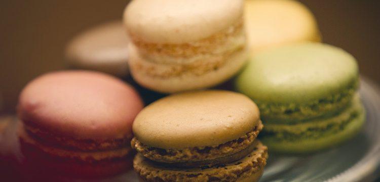 Close up of macaron cookies.