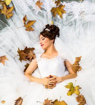 An Autumn bride.