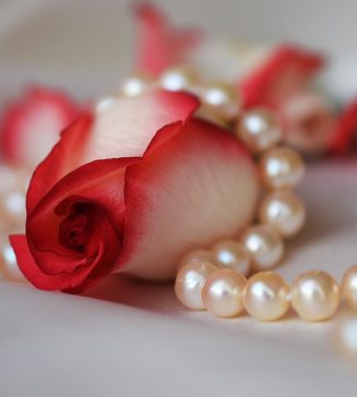 A rose with pearls.