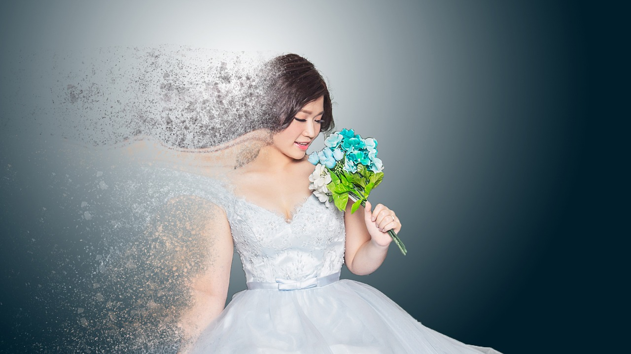 Fantasy photo of a bride with a bouquet.