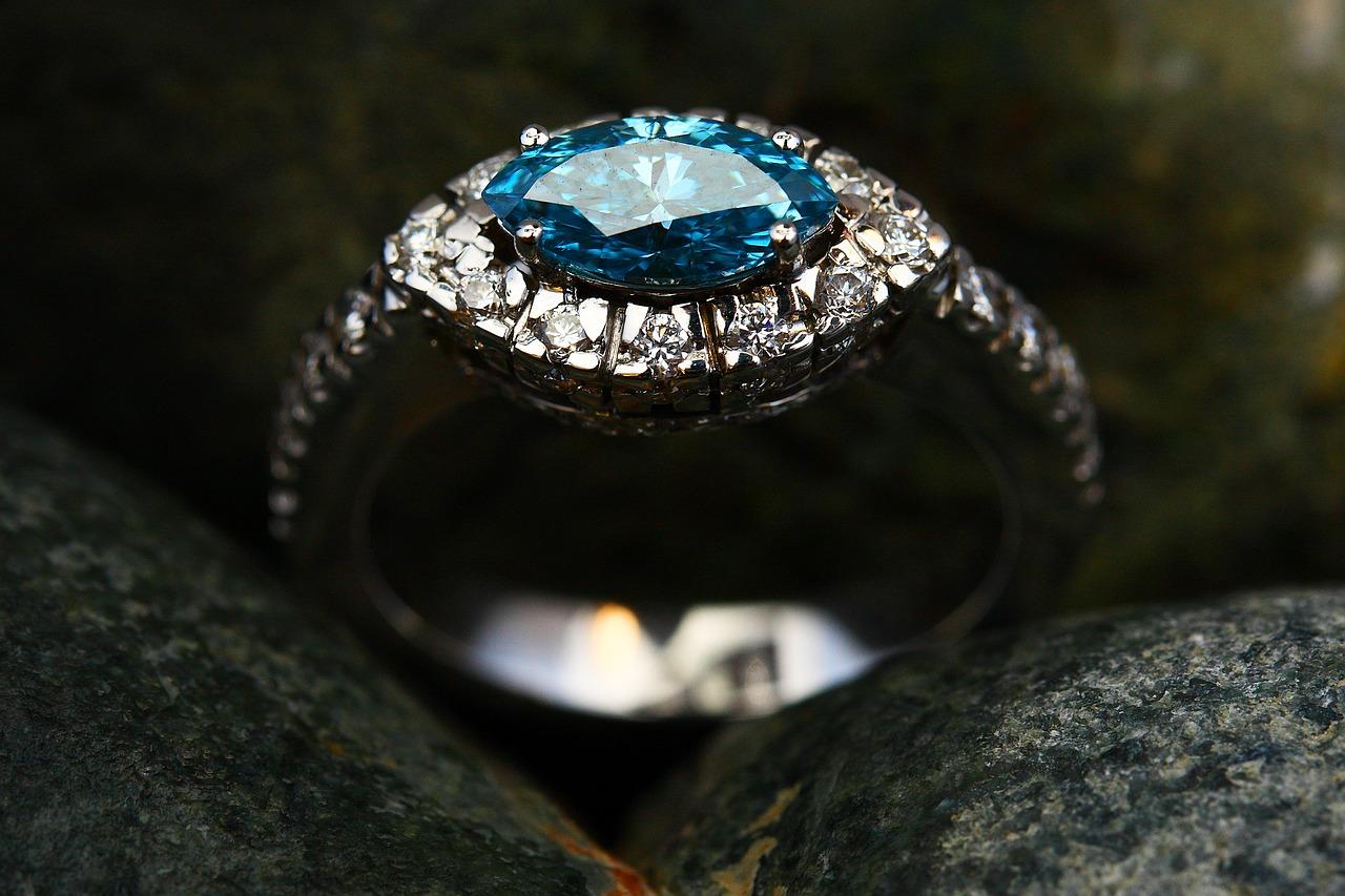 Diamond and aquamarine engagement ring.