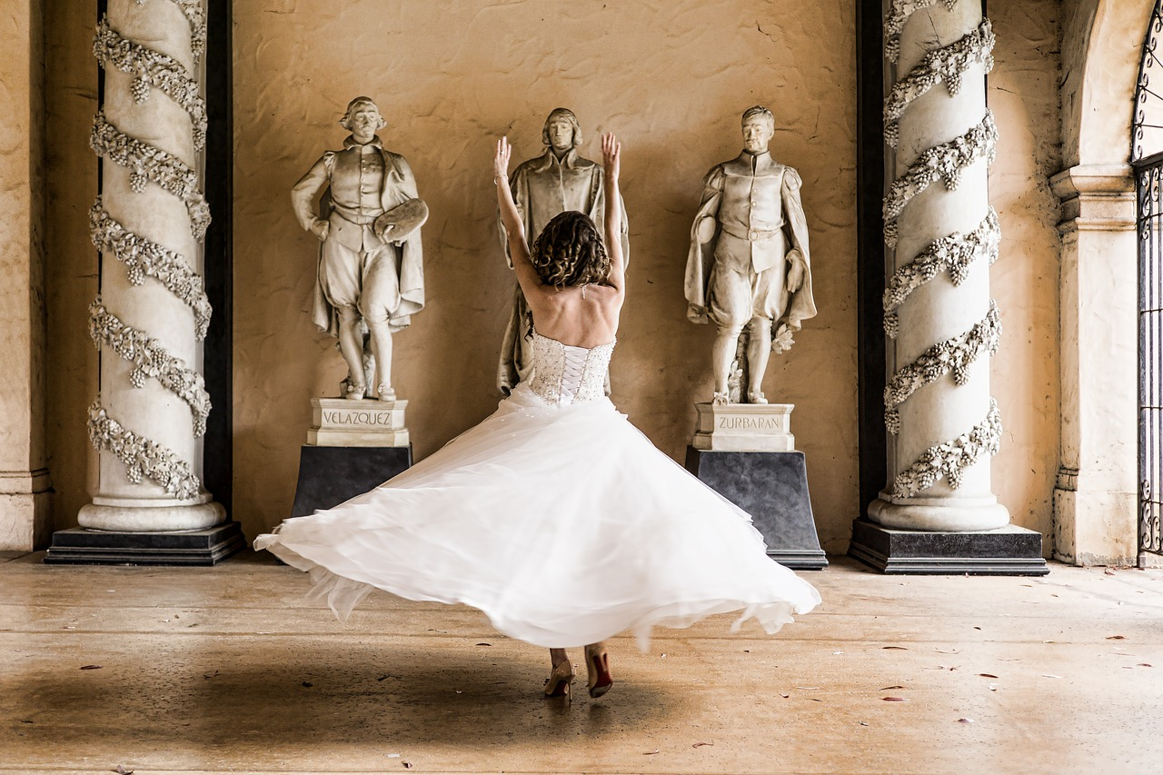 A bride twirling in a circle.