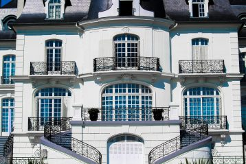 Front of a mansion.